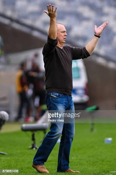 Mano Menezes coach of Cruzeiro a match between Cruzeiro and Vasco da Gama as part of Brasileirao Series A 2017 at Mineirao stadium on November 26...