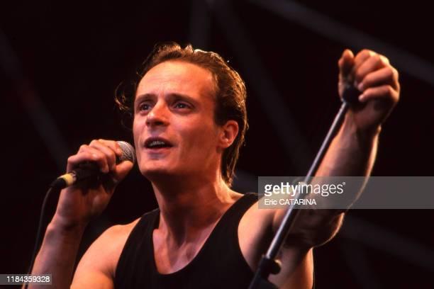 Mano Solo en concert lors du festival des Francofolies de La Rochelle en juillet 1994 France