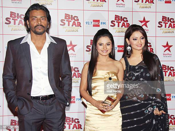 Manoj Mishra Shiju Kataria and Adaa Khan at BIG STAR Entertainment Awards '10' at Bhavan's Ground Andheri on December 21 2010