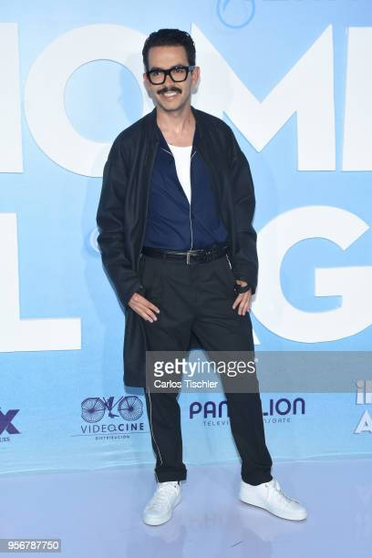 Manolo Caro poses for pictures during the 'Overboard ' Mexico City premiere at Cinemex Antara on May 8 2018 in Mexico City Mexico