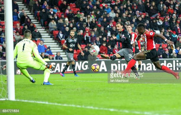 Manolo Gabbiadini of Southampton scores his side's second goal during the Premier League match between Sunderland and Southampton at Stadium of Light...