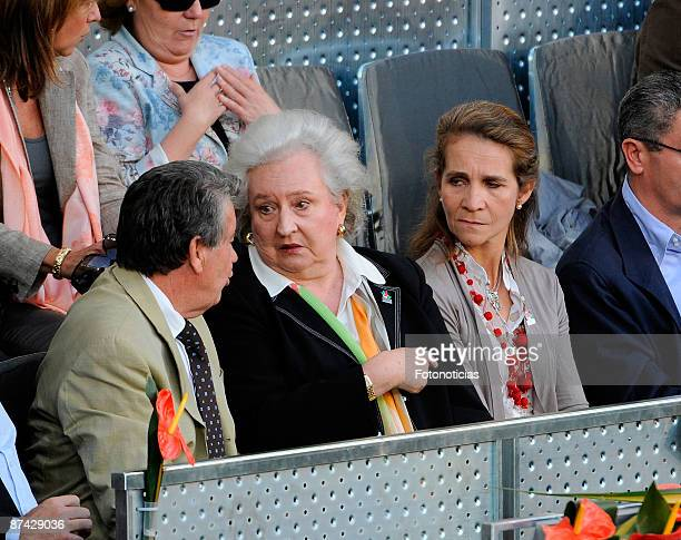 Manolo Santana Infanta Pilar de Borbon and Princess Elena of Spain attend Madrid Open tennis tournament at La Caja Magica on May 15 2009 in Madrid...