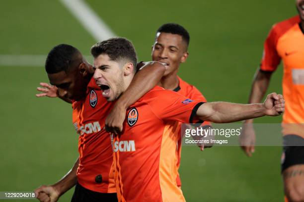 Manor Solomon Celebrates 0-3 with Tete of Shakhtar Donetsk during the UEFA Champions League match between Real Madrid v Shakhtar Donetsk at the...