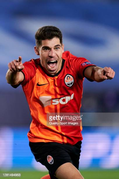 Manor Solomon of Shakhtar Donetsk celebrates after scoring his team's third goal during the UEFA Champions League Group B stage match between Real...