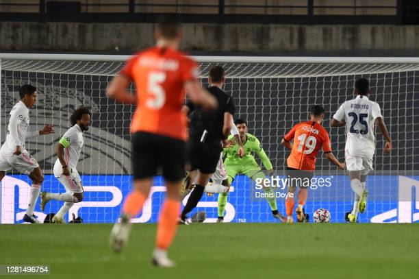 Manor Solomon of Shakhtar Donetsk scores his sides third goal during the UEFA Champions League Group B stage match between Real Madrid and Shakhtar...