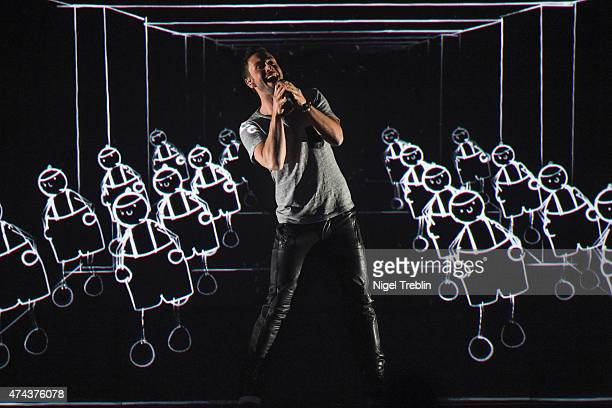 Mans Zelmerloew of Sweden performs on stage during rehearsals for the final of the Eurovision Song Contest 2015 on May 22 2015 in Vienna Austria The...
