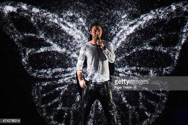 Mans Zelmerloew of Sweden performs on stage during the second Semi Final of the Eurovision Song Contest 2015 on May 21 2015 in Vienna Austria The...
