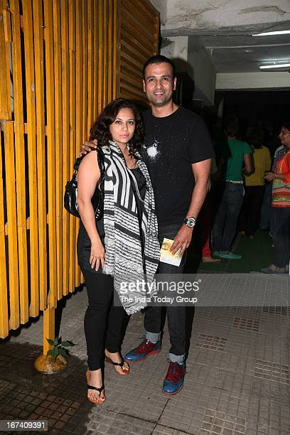 Mansi Roy with husband Rohit Roy at screening of Aashiqui 2 in Mumbai on 24th April 2013