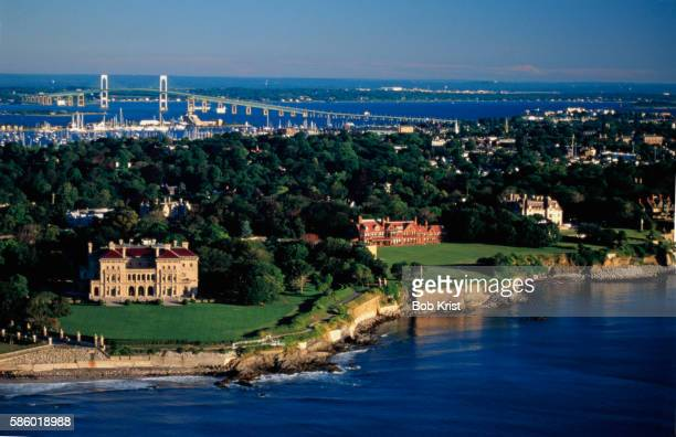 mansions extending along rhode island coast - newport rhode island stock pictures, royalty-free photos & images