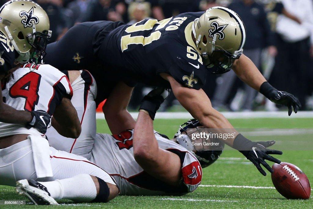 Atlanta Falcons vs New Orleans Saints : News Photo