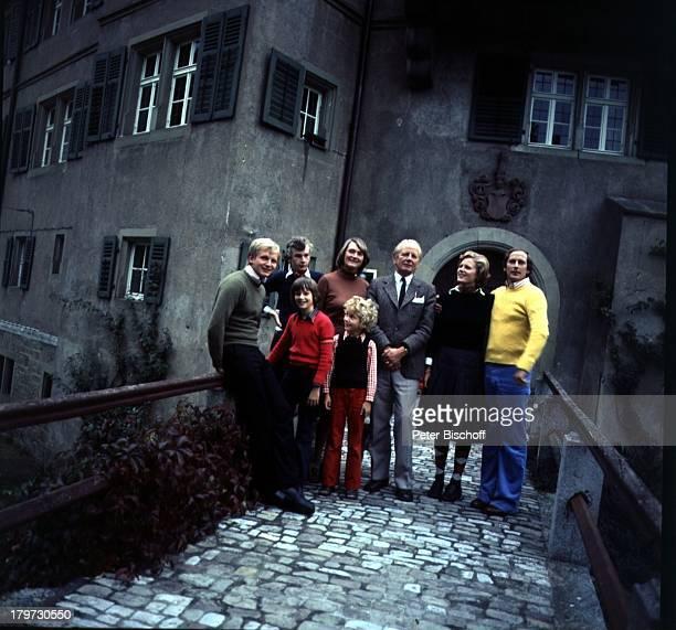 Manto Friedrich zu Castell-Rüdenhausen, Brüder Graf Karl zu Castell-Rüdenhausen, Hermann Friedrich zu Castell-Rüdenhausen und Matthias zu...