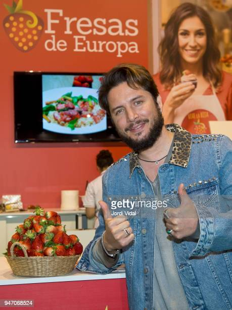 Manu Carrasco attends the presentation of Fresas de Europa in Alimentaria at Fira de Barcelona on April 16 2018 in Barcelona Spain