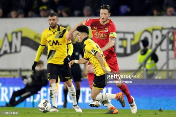 Manu Garcia Alonso of NAC Breda Wout Weghorst of AZ Alkmaar during the Dutch Eredivisie match between NAC Breda v AZ Alkmaar at the Rat Verlegh...