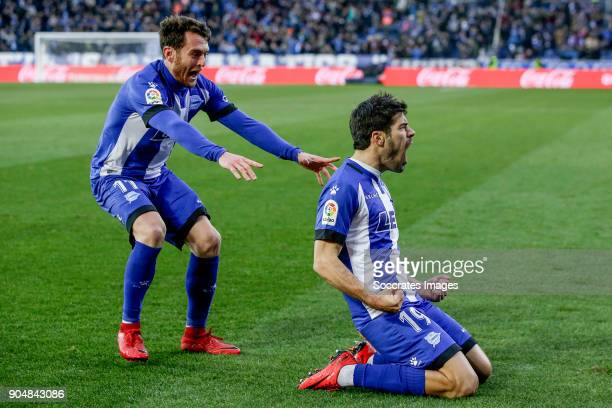 Manu Garcia of Deportivo Alaves celebrates 10 with Ibai Gomez of Deportivo Alaves during the La Liga Santander match between Deportivo Alaves v...