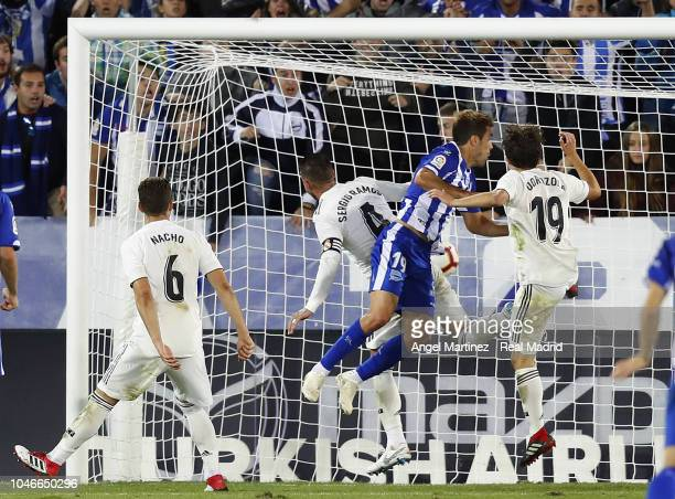 Manu Garcia of Deportivo Alaves scores his winning goal during the La Liga match between Deportivo Alaves and Real Madrid at Estadio de Mendizorroza...