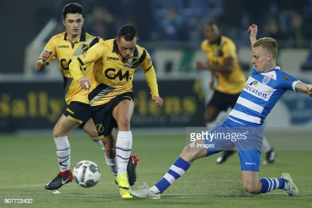 Manu Garcia of NAC Breda Giovanni Korte of NAC Breda Rick Dekker of PEC Zwolle during the Dutch Eredivisie match between PEC Zwolle and NAC Breda at...