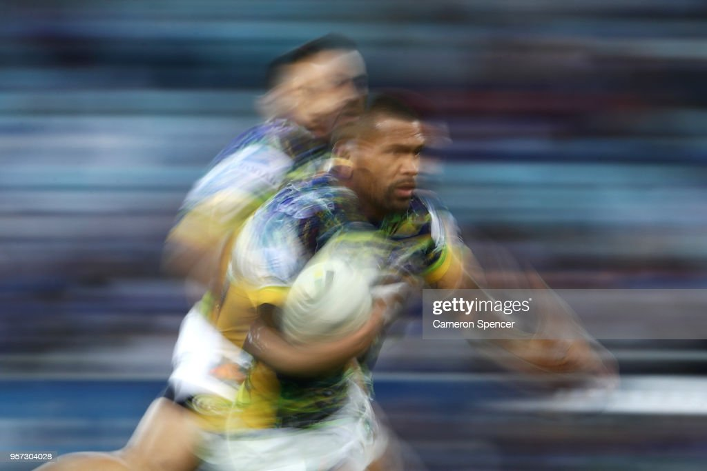 Manu Ma'u of the Eels runs the ball during the round 10 NRL match between the Canterbury Bulldogs and the Parramatta Eels at ANZ Stadium on May 11, 2018 in Sydney, Australia.