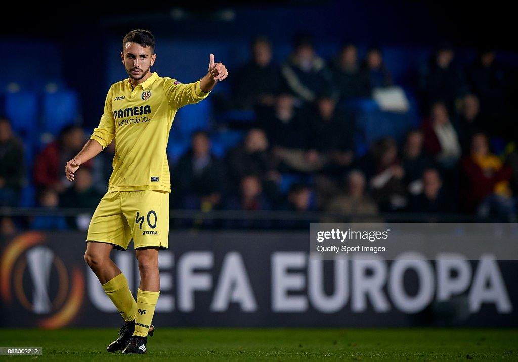 Manu Morales of Villarreal reacts during the UEFA Europa League group A match between Villarreal CF and Maccabi Tel Aviv at Estadio De la Ceramica on December 7, 2017 in Villarreal, Spain.