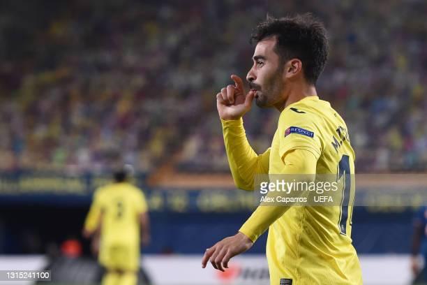 Manu Trigueros of Villarreal celebrates after scoring their team's first goal during the UEFA Europa League Semi-final First Leg match between...