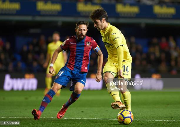 Manu Trigueros of Villarreal CF and Jose Luis Morales of Levante Union Deportiva during the La Liga match between Villarreal CF and Levante Union...