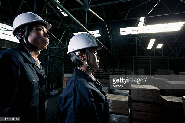 工業労働者の倉庫のポートレート
