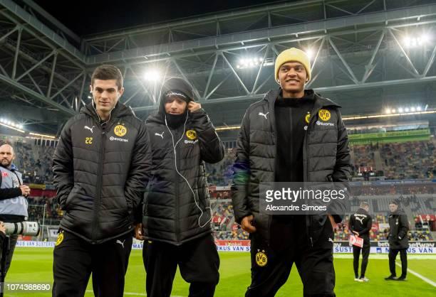 Manuel Akanji Christian Pulisic and Jadon Sancho of Borussia Dortmund prior to the Bundesliga match between Fortuna Duesseldorf and Borussia Dortmund...