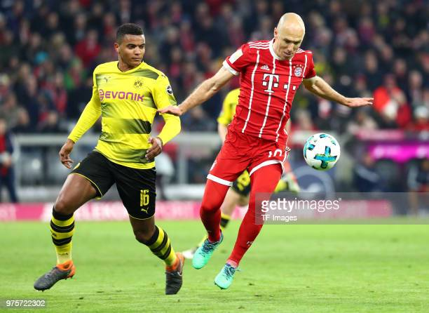 Manuel Akanji of Dortmund and Arjen Robben of Muenchen battle for the ball during the Bundesliga match between FC Bayern Muenchen and Borussia...