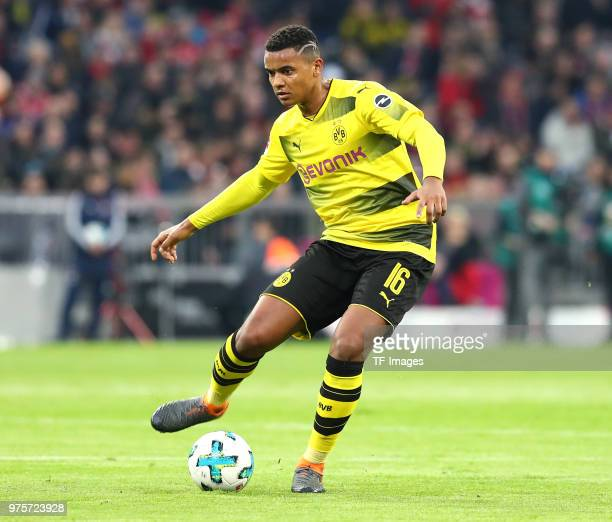 Manuel Akanji of Dortmund controls the ball during the Bundesliga match between FC Bayern Muenchen and Borussia Dortmund at Allianz Arena on March 31...