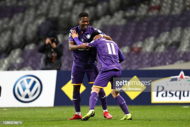 Manuel Alonso Garcia of Toulouse celebrates with Aaron Leya Iseka after scoring a goal during the French Cup match between Toulouse and Reims at...