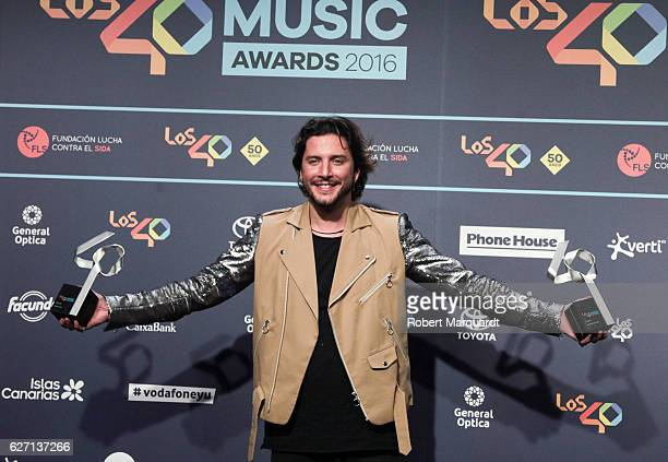 Manuel Carrasco poses backstage after receiving an award at the Los 40 Music Awards 2016 held at the Palau Sant Jordi on December 1 2016 in Barcelona...