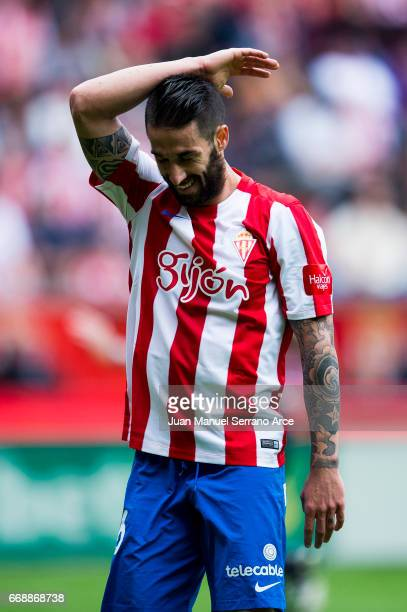 Manuel Castellano 'Lillo' of Real Sporting de Gijon reacts during the La Liga match between Real Sporting de Gijon and Real Madrid at Estadio El...