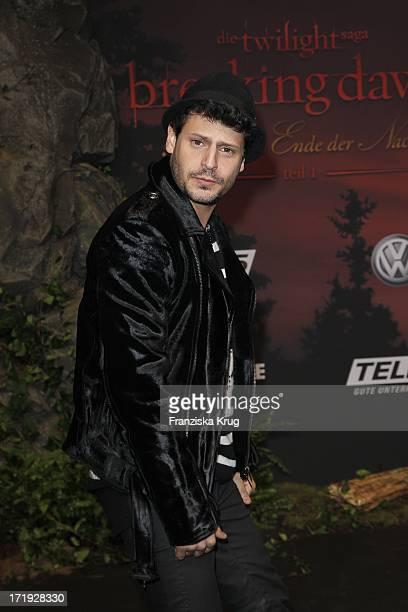 Manuel Cortez Bei Der Premiere Von Breaking Dawn Biss Zum Ende Der Nacht Im Cinestar Sonycenter In Berlin