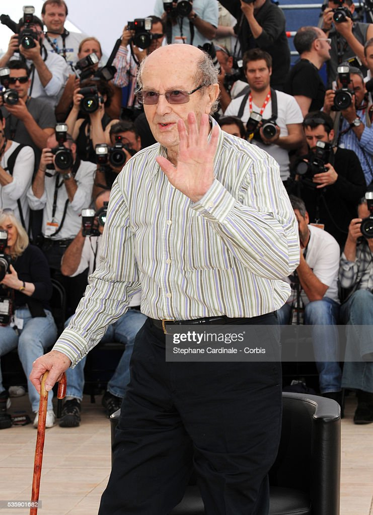 Manuel de Oliveira at the Photocall for 'The strange case of Angelica' during the 63rd Cannes International Film Festival.