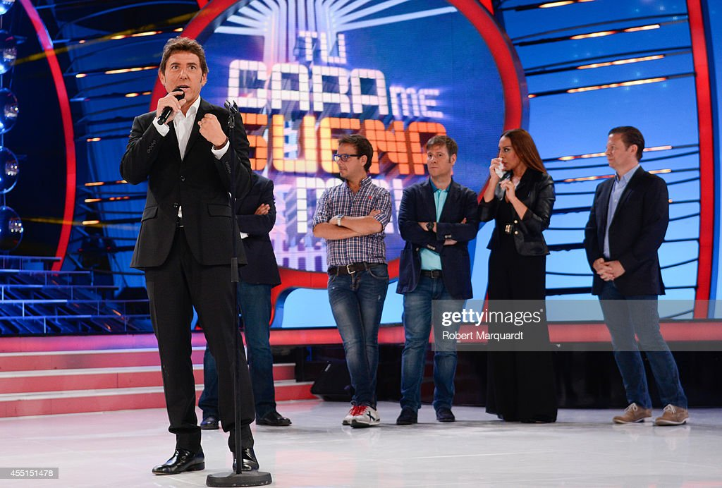 Manuel Fuentes And The Cast Of Tu Cara Me Suena Mini Pose During A Nachrichtenfoto Getty Images