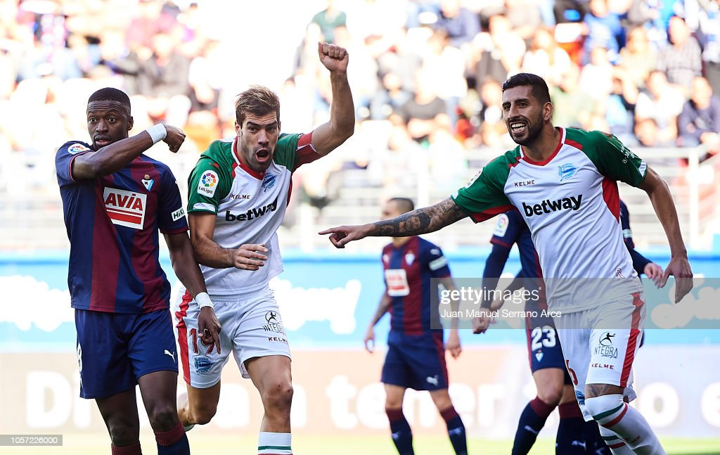 SD Eibar v Deportivo Alaves - La Liga : News Photo