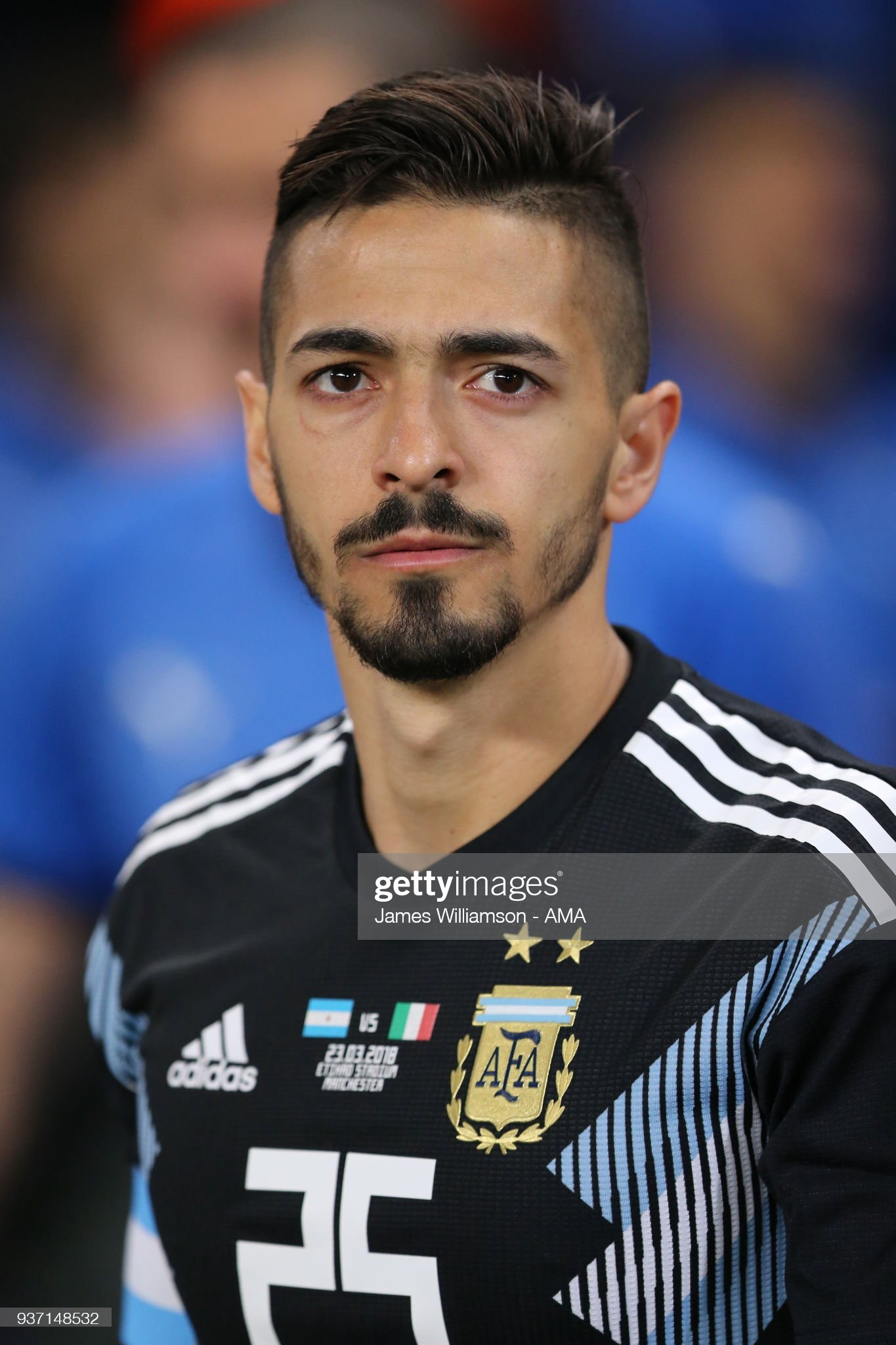[Imagen: manuel-lanzini-of-argentina-during-an-in...=2048x2048]