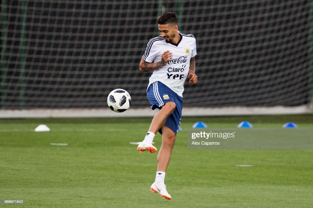 Manuel Lanzini of Argentina takes part in a training session as part of the team preparation for FIFA World Cup Russia 2018 at FC Barcelona 'Joan Gamper' sports centre on June 7, 2018 in Barcelona, Spain.