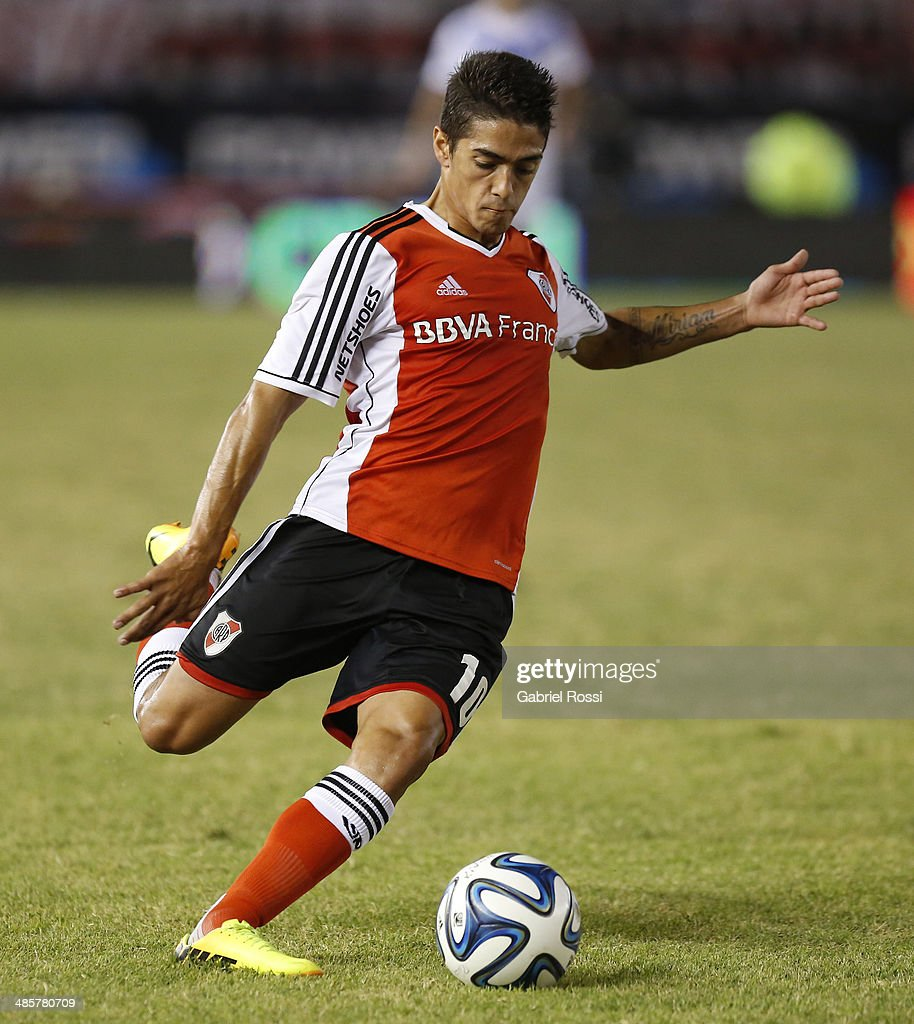 Manuel Lanzini of River Plate in action during a match between River Plate and Velez Sarsfield as part of 15th round of Torneo Final 2014 at Monumental Antonio Vespucio Liberti Stadium on April 12, 2014 in Buenos Aires, Argentina.
