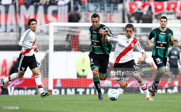 Manuel Lanzini of River Plate struggles for the ball during a match between River Plate and San Martin de San Juan as part of the Torneo Final 2013...