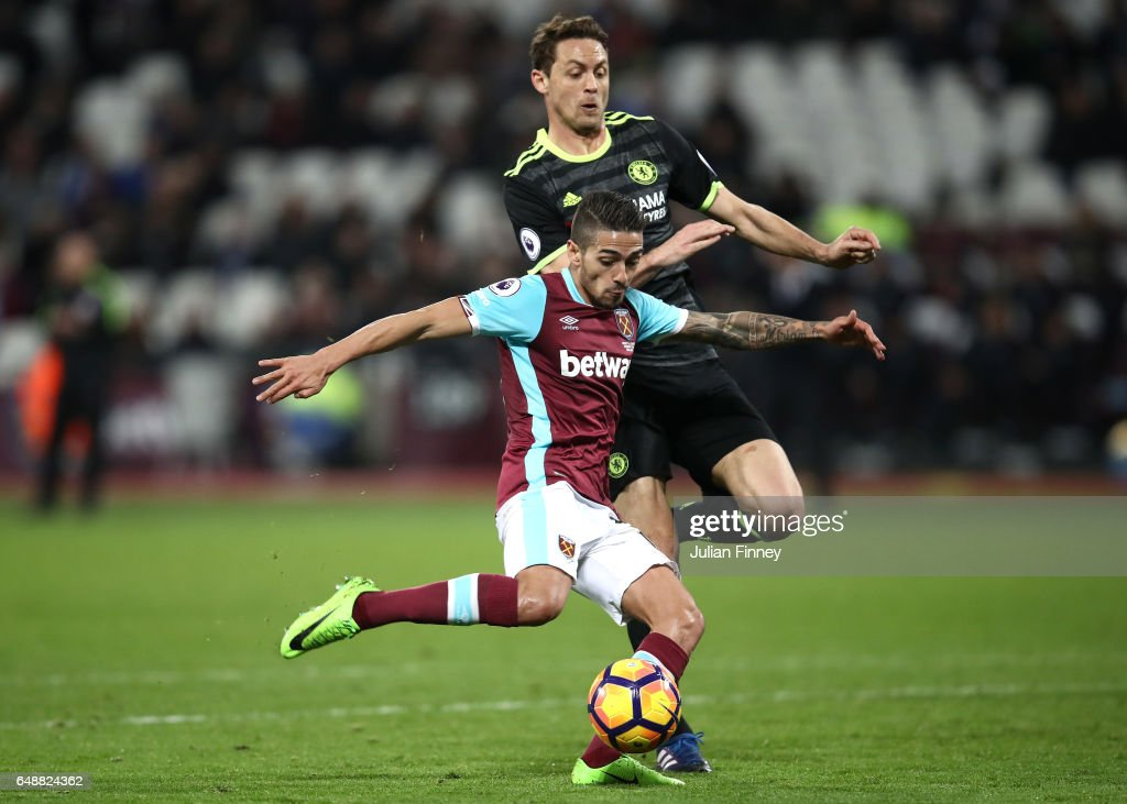 Manuel Lanzini of West Ham United scores his sides first goal during the Premier League match between West Ham United and Chelsea at London Stadium on March 6, 2017 in Stratford, England.