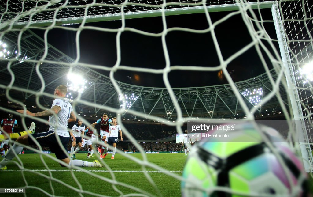 Manuel Lanzini of West Ham United scores the opening goal during the Premier League match between West Ham United and Tottenham Hotspur at the London Stadium on May 5, 2017 in Stratford, England.