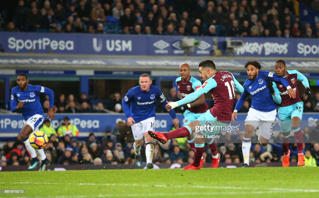 Manuel Lanzini of West Ham United takes a penalty that is saved by Jordan Pickford of Everton (not pictured) during the Premier League match between Everton and West Ham United at Goodison Park on November 29, 2017 in Liverpool, England.