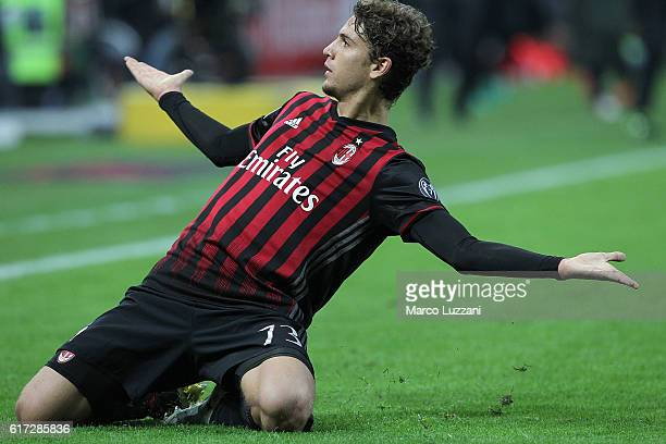 Manuel Locatelli of AC Milan celebrates after scoring the opening goal during the Serie A match between AC Milan and Juventus FC at Stadio Giuseppe...