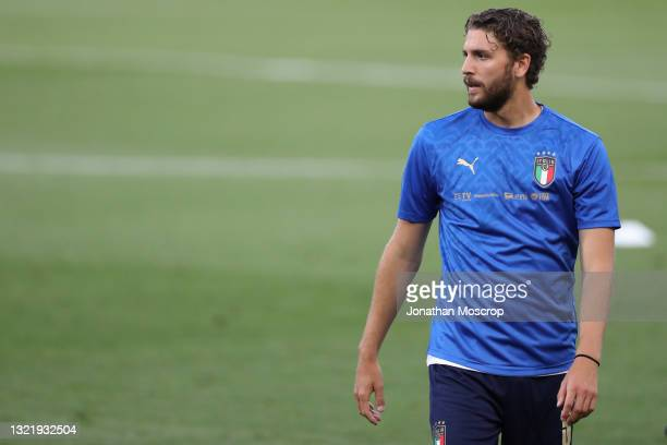 Manuel Locatelli of Italy looks on during the warm up prior to the international friendly match between Italy and Czech Republic at Stadio Renato...