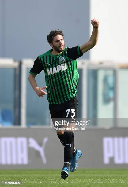 Manuel Locatelli of U.S. Sassuolo Calcio celebrates after scoring his team's first goal during the Serie A match between US Sassuolo and Hellas...