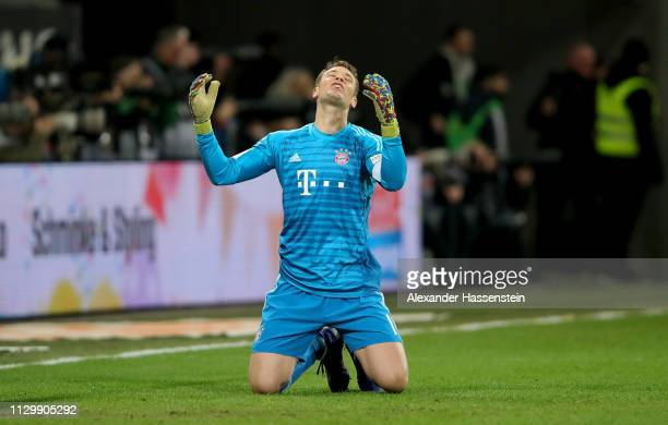 Manuel Neuer goalkeeper of Muenchen reacts during the Bundesliga match between FC Augsburg and FC Bayern Muenchen at WWKArena on February 15 2019 in...