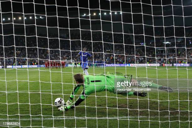 Manuel Neuer keeper of Bayern Muenchen saves the last penalty by Romelu Lukaku of Chelsea during the UEFA Super Cup between FC Bayern Muenchen and...