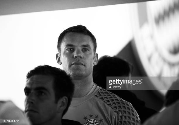 Manuel Neuer of Bayern Munich waits in the tunnel with his team mates before the UEFA Champions League Quarter Final first leg match between FC...