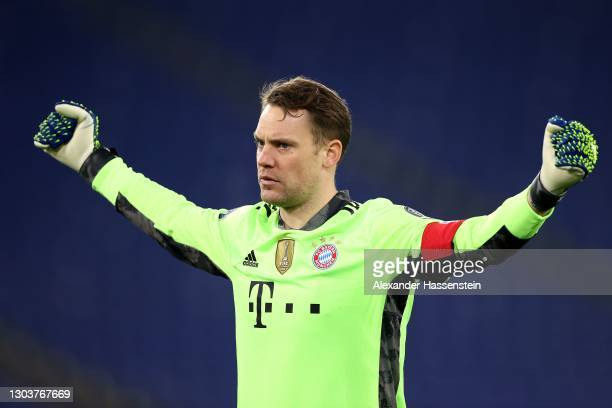 Manuel Neuer of FC Bayern München celebrates the 4th team goal during the UEFA Champions League Round of 16 match between Lazio Roma and Bayern...