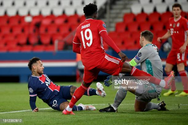 Manuel Neuer of FC Bayern Muenchen makes a save from Neymar of Paris Saint-Germain during the UEFA Champions League Quarter Final Second Leg match...